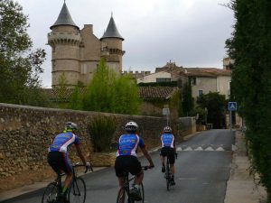 Cycling Southern France on tour castles